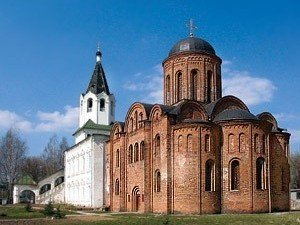 Храмовый комплекс: церковь свв. апп. Петра и Павла, церковь св. вмц. Варвары