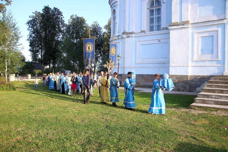 Чин Погребения Пресвятой Богородицы в Успенском соборе Демидова