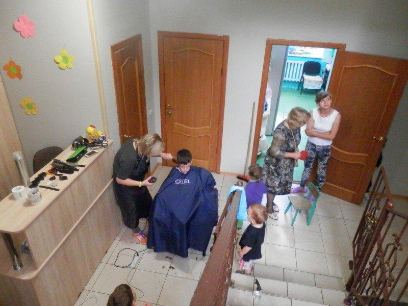Акция «Стригу с добром» в «Смоленском доме для мамы»