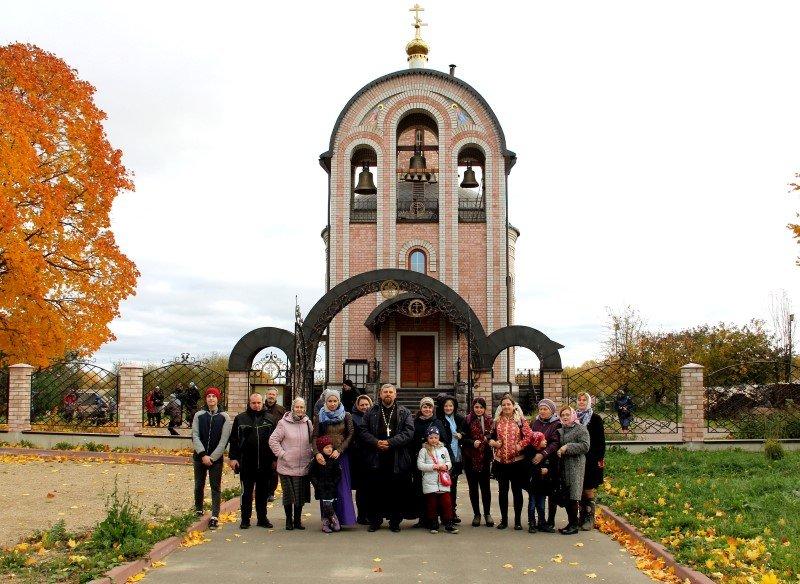 Учебный год в Школе творческого развития храма апостолов Петра и Павла начался с паломничества