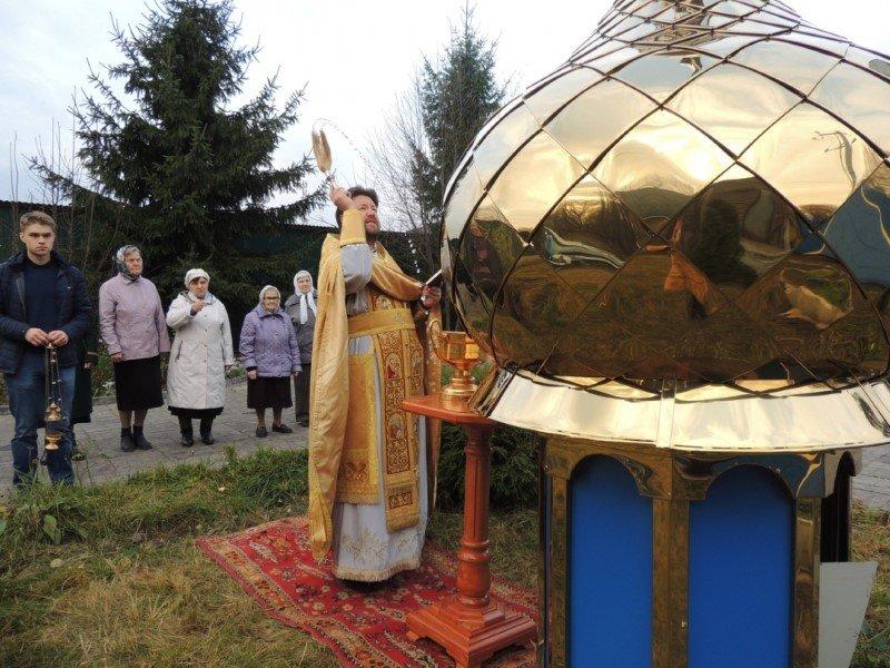 Обновление куполов и крестов на Казанском храме в поселке Кардымово