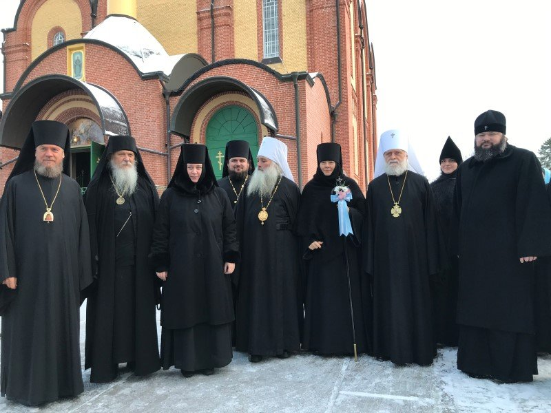 Смоленский архипастырь принял участие в богослужении в Пюхтицах