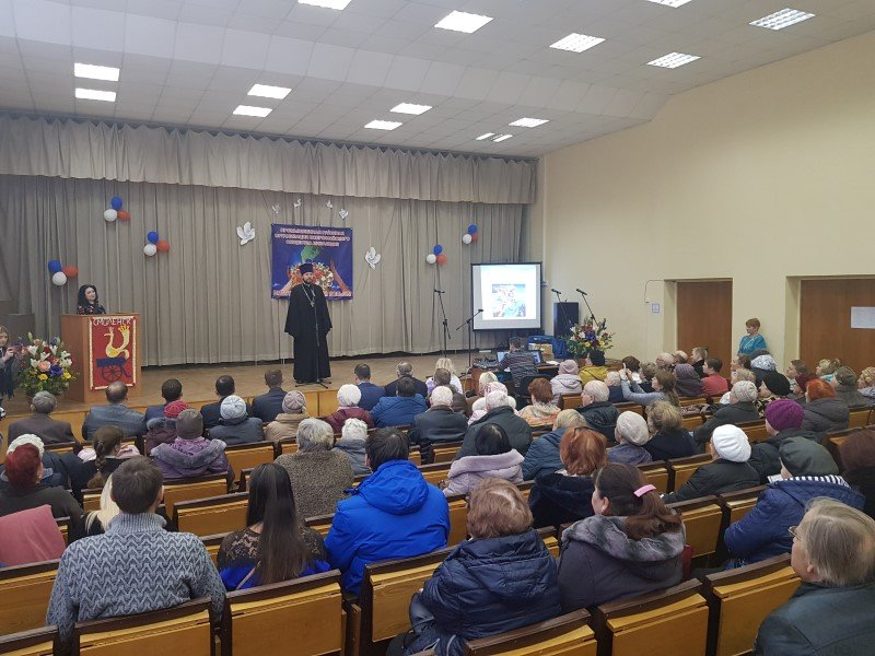 Концерт, посвященный Международному дню инвалидов, прошел в Смоленске