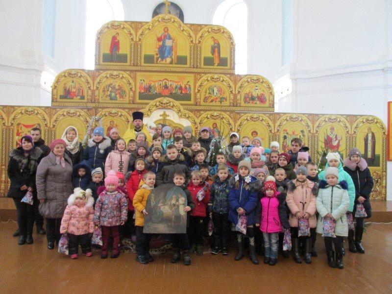 Рождественское богослужение для детей в Демидове