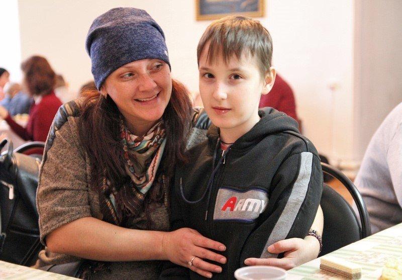 Введенский храм поздравил с Рождеством Христовым семьи с детьми-инвалидами