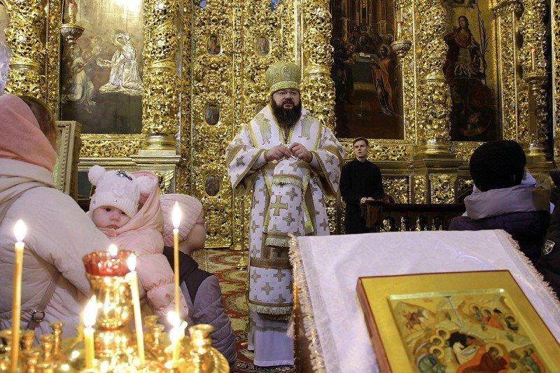 Митрополит Исидор возглавил литургию в кафедральном храме Смоленска