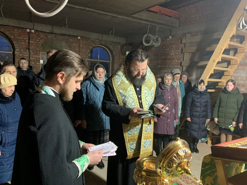 Митрополит Исидор возглавил акафист святому Сергию Радонежскому в Соловьиной роще