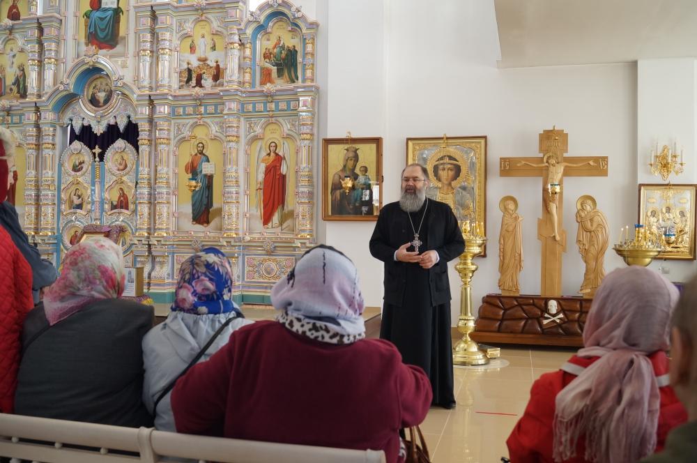 Общественная организация ветеранов войны посетила Георгиевский собор г. Ярцево