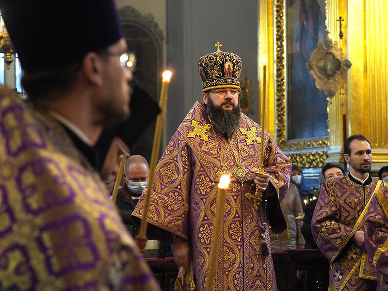 Митрополит Исидор совершил Всенощное бдение накануне 5-й Недели Великого поста