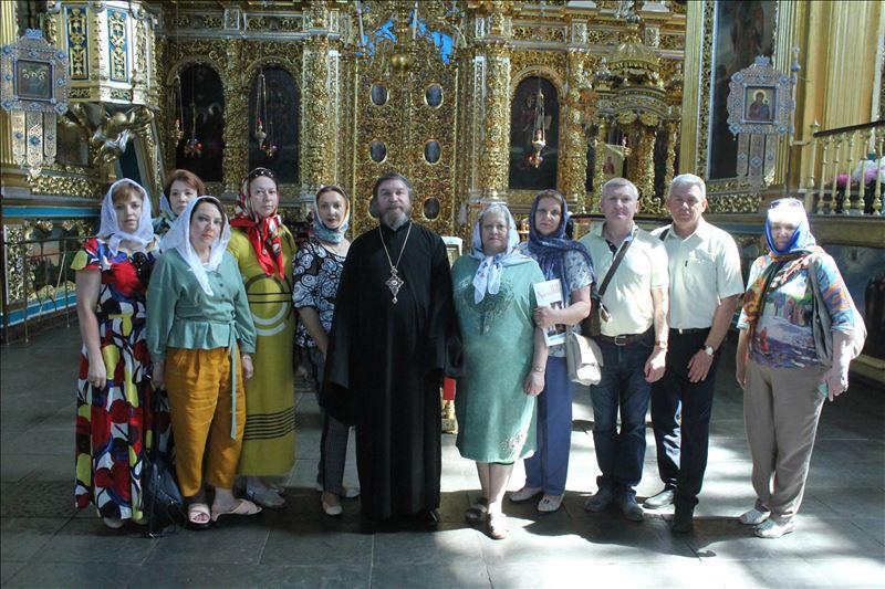 Делегаты конференции МОФ «Российский фонд мира» посетили главный храм Смоленска